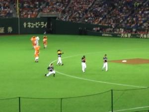 西岡試合前ウォーミングアップ